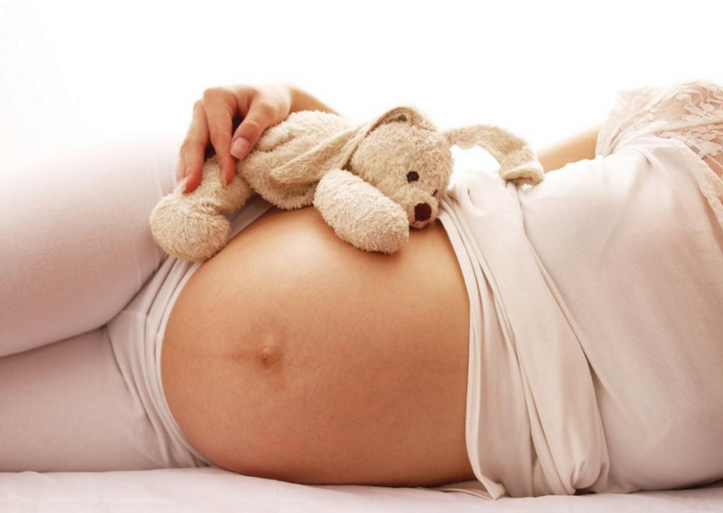 Phụ nữ sinh con ở tuổi 35 - 40 nên lường trước những khó khăn gì?