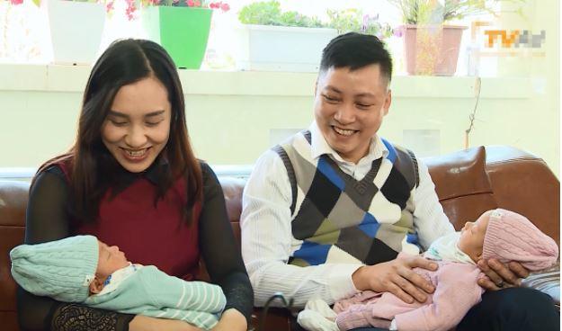 Vợ chồng chị Ngô Thị Kim Dung (Quảng Ninh) 3 năm chờ đợi có thêm con, nay đã có thêm 2 bé song sinh kháu khỉnh sau khi IVF thành công ngay từ lần đầu tiên tại bv Tâm Anh