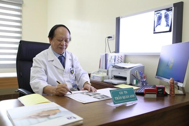 Giáo sư Trần Quán Anh, vị bác sĩ chữa vô sinh nam hàng đầu Việt Nam