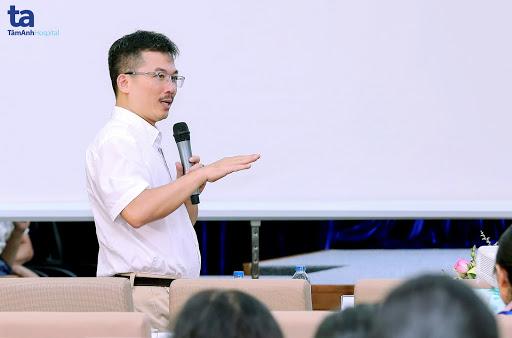 TTND.PGS.TS.BS Lê Hoàng - Giám đốc Trung tâm Hỗ trợ sinh sản Bệnh viện Đa khoa Tâm Anh
