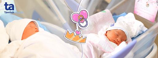Cặp song sinh 1 trai, 1 gái của chị Trương Thị Hải Hằng (53 tuổi, Hải Dương) sinh ra nhờ phương pháp IVF với dự trữ buồng trứng dường như bằng 0 đã trở thành câu chuyện cổ tích đẹp, tiếp thêm động lực, niềm tin cho rất nhiều cặp vợ chồng có dự trữ buồng trứng thấp đang trên hành trình mong con