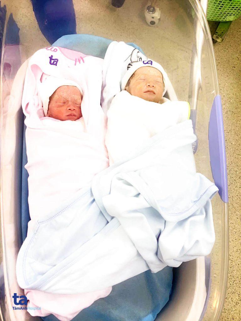 Sản phụ Huệ đã bình phục, sức khỏe của hai em bé cũng khá ổn định.