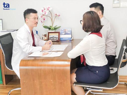 PGS.TS.BS Lê Hoàng là người trực tiếp điều trị cho các cặp vợ chồng tham gia nghiên cứu
