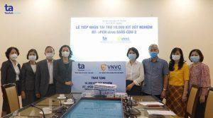 BVĐK Tâm Anh trao tặng 10.000 bộ xét nghiệm Virus SARS-CoV-2 và 12.000 mặt nạ phòng dịch Covid-19