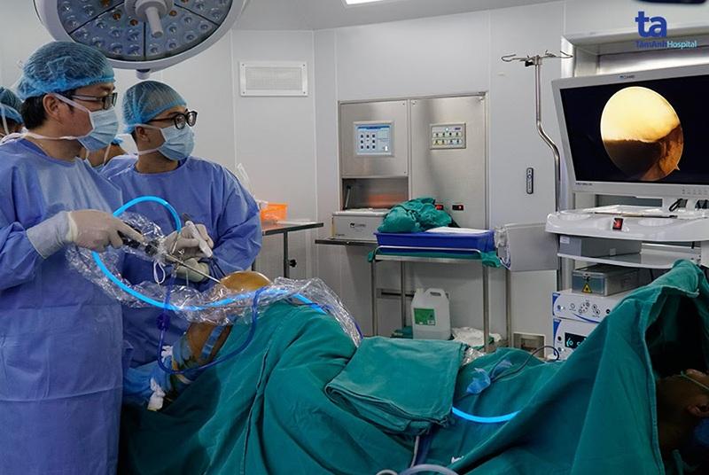 Một ca phẫu thuật nội soi khớp gối được thực hiệntại Bệnh viện Đa khoa Tâm Anh