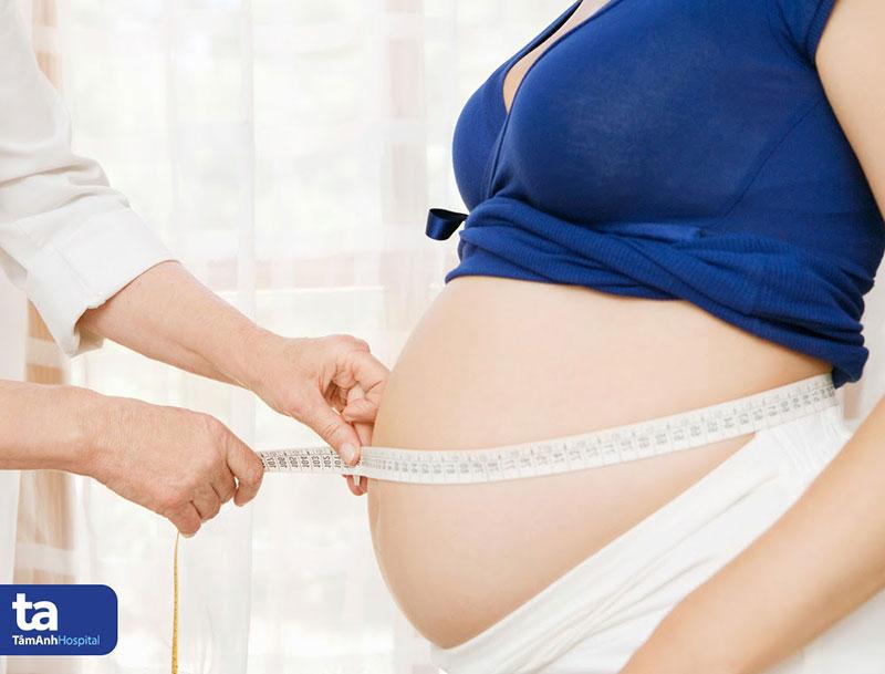 Thai phụ mắc bệnh tac mach oi có điểm chung như thai nhi lớn, thai quá ngày,...