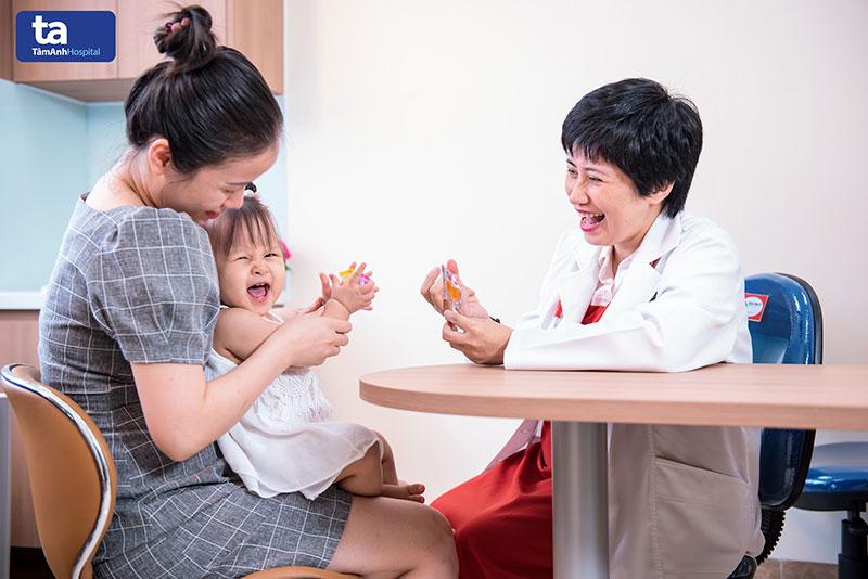 Tại khoa Nhi, BVĐK Tâm Anh, bé yêu được thăm khám và điều trị với phác đồ hiện đại, hạn chế kháng sinh.