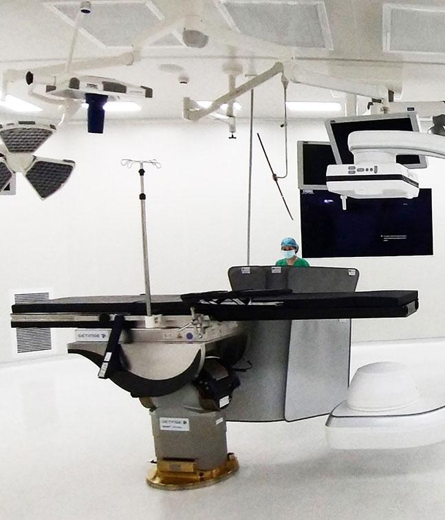 Hệ thống phẫu thuật robot