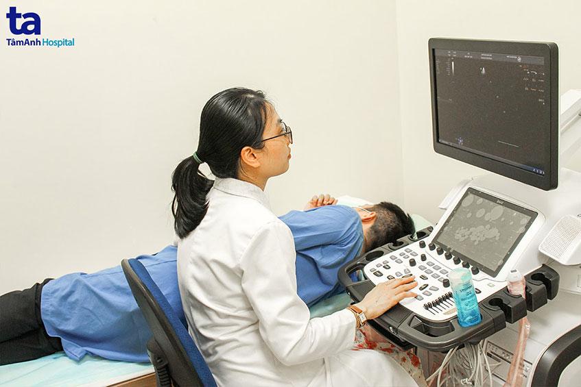 thiết bị tại trung tâm tim mạch